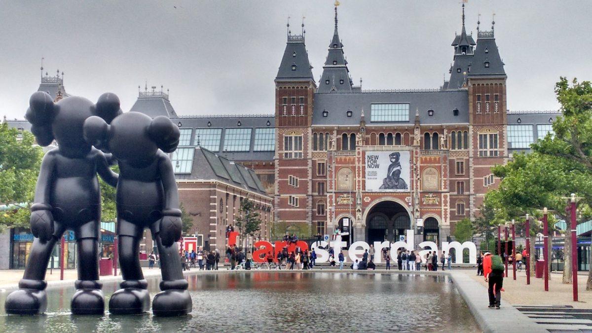 romantic date in Amsterdam