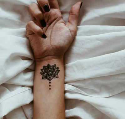 places to have a simple Tattoo for Women